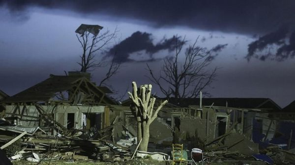 Tornadoes tear through US south, killing three