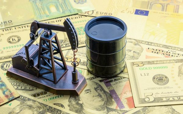 Oil prices fall amid an increase in US oil inventories
