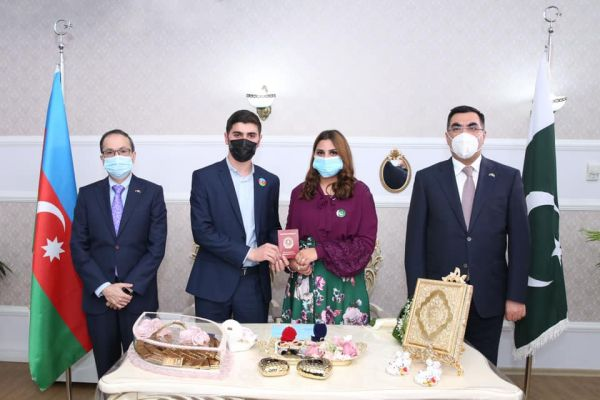 Graduate of Baku Higher Oil School marries Pakistani student from same university